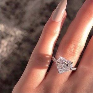 NEW 925 STERLING SILVER DIAMOND HEART RING